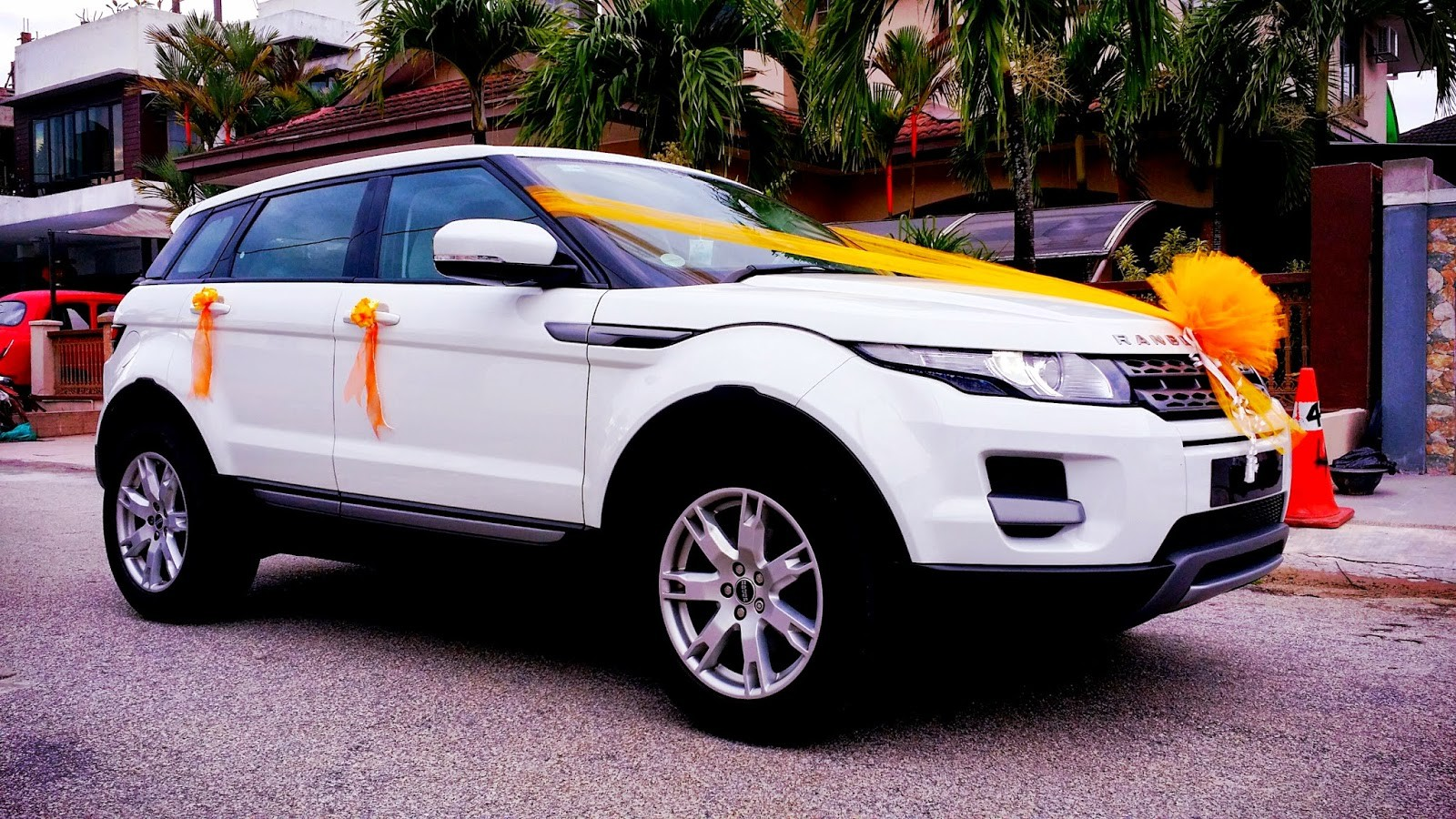 Range Rover rental for wedding, Range Rover Evoque Hire in Chandigarh